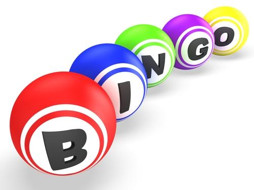 boules de différentes couleurs représentant le mot bingo